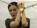 《搜狐视频综艺饭片花》范冰冰被锁遭火烧吓坏李晨 秀恩爱亮瞎围观群众
