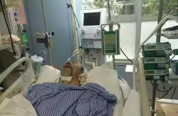杨延方在重症监护室医治,还没有离开性命风险。