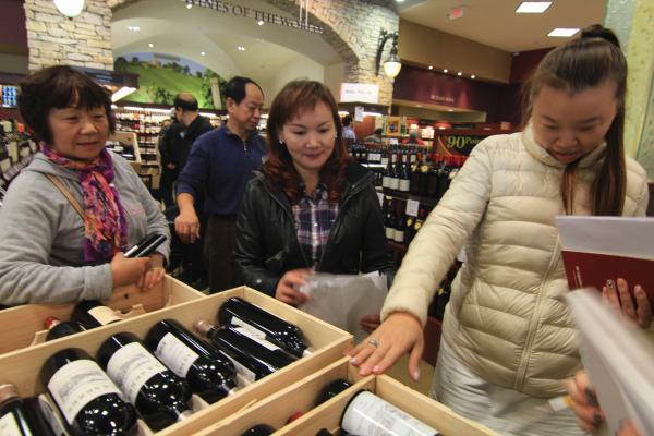中国富豪新移民豪奢温哥华:连夜抢购波尔多酒