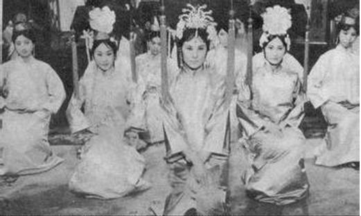 古代最早的选美 清朝皇宫选秀场面曝光图片