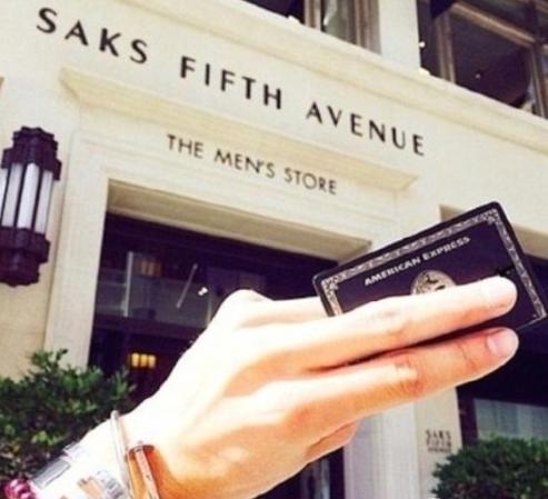 王思聪钱包丢了 里面的各种黑卡是什么鬼?