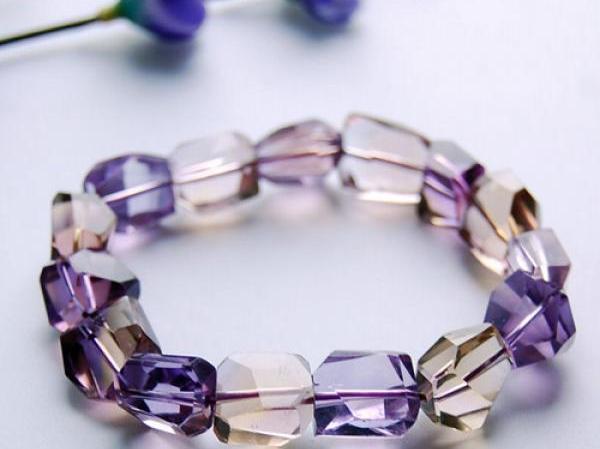 紫黄晶的功效与作用_紫黄晶的功效与作用是真的吗-紫黄晶有什么功效啊?