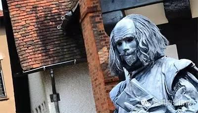 英国人意外拍到鬼魂_脱欧公投幽灵笼罩英国何去何从《青年参