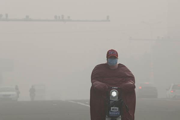 10月13日以来,江苏全境陷入雾霾笼罩之中。15日,据江苏省环保厅的监测数据,江苏13市全部处于污染状态。