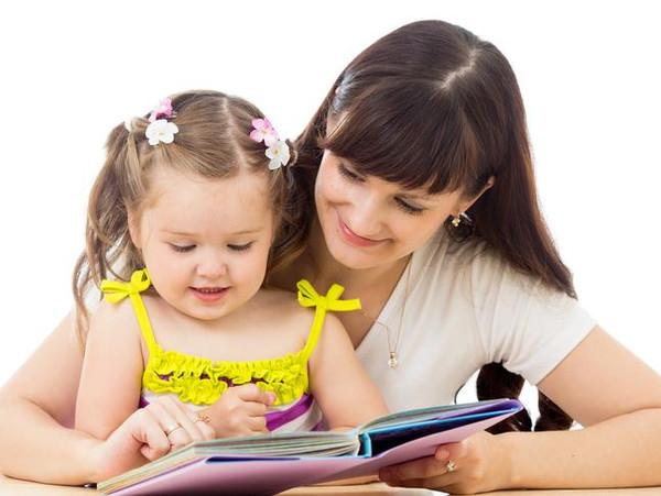 是开始会自己画画的时候,爸爸妈妈就要开始寻思着要教宝宝写一写字了.