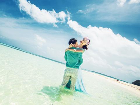 海边唯美婚纱照,拍照姿势学起来!图片