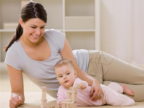 """""""爸爸妈妈陪我玩"""",陪0~12个月小宝宝做游戏吧"""