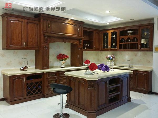 欧式,厨房常会选择蓝,白色做搭配