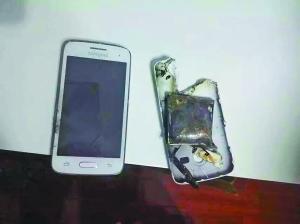 爆破后的手机