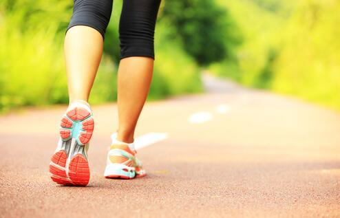 """【环球网综合报道】据日本Livedoor新闻网10月21日报道,我们每天都在进行的""""走路""""行为,如果只要稍微做一点变化就能多消耗20%的卡路里的话,就连没有减肥的计划的人也会想知道这种方法吧。"""