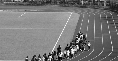 小学生画跑道图画