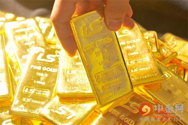 黄金价格下跌_空头回补协助黄金价格收盘高于今日低点,尽管交易商和分析师仍然对