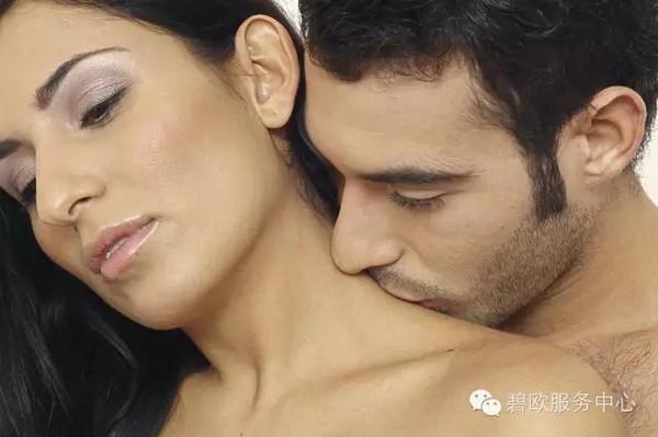 接吻为什么要摸脖子