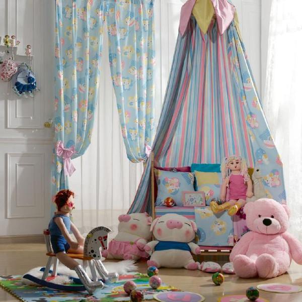 儿童房的窗帘搭配,给宝宝一个温暖的房间!
