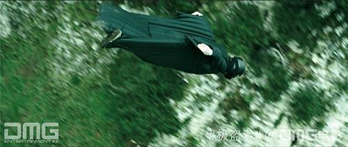 《极盗者》极速滑翔