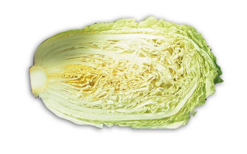 """砍掉白菜根,扒掉白菜帮,鲜亮溜光的大白菜""""净菜""""地头价仅为每斤0."""
