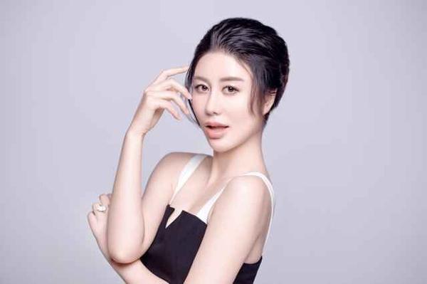 徐晓吉_韩妆新宠queen\'s面膜新品发布:代言人徐晓雅专访