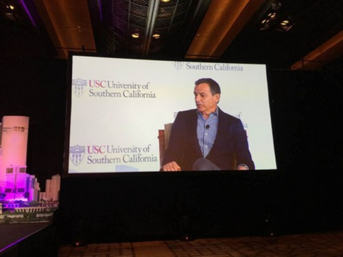 10月30日,迪士尼CEO(首席执行官)罗伯特·艾格在上海出席南加州大学全球会议时表示,中国放开二胎政策,对迪士尼是重大利好。