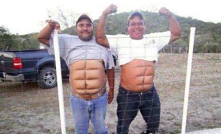 男生腹肌的照片真人_搞笑图片:一秒迅速练出六块腹肌get!