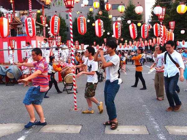 4. 盂蘭盆節 – 日本