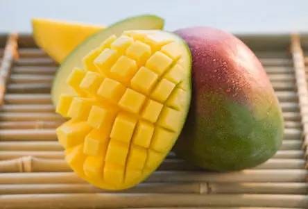 女生多吃六种水果,和乳腺癌保持