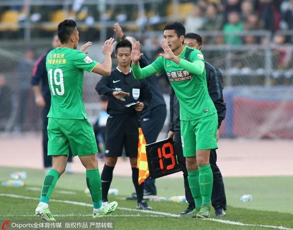 邵佳一比赛第70分钟替补登场,完成职业生涯谢幕战