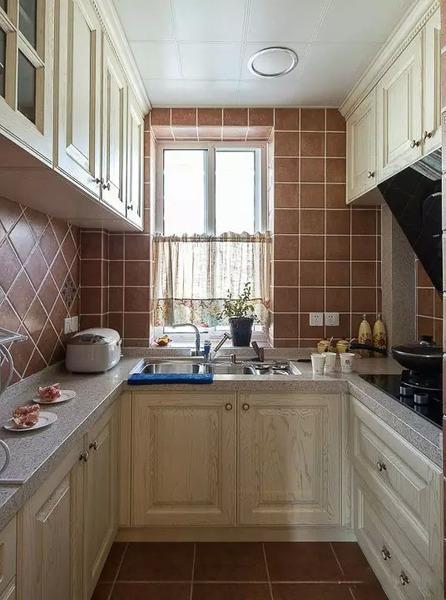 2015小户型厨房装修案例 30张图6种方案扩容5㎡