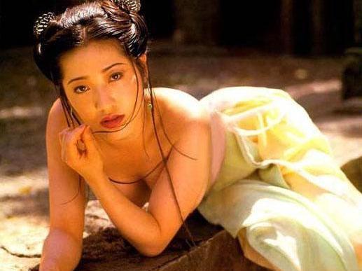 她被誉为亚洲第一美胸:饰香港电影史最美潘金莲!