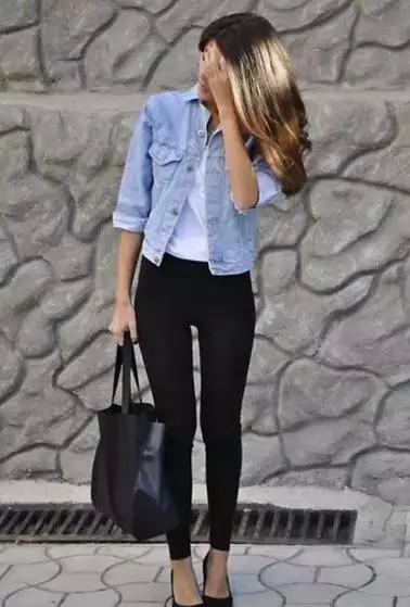 一条万能的小黑裤