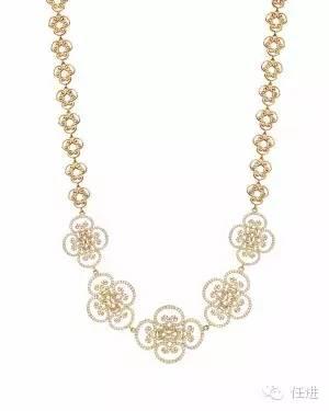 宝格丽的灵蛇项链由于众多明星的佩戴,名气不小.   梵克雅宝四叶草