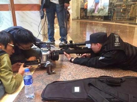 上海一商场有人被击毙?警方:在拍教学片