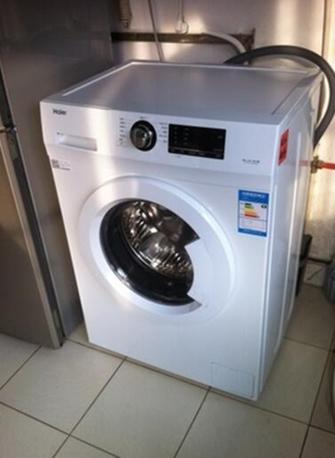 一位来自北京的王小姐说:用过很多牌子的,觉得这款很好,噪音小,耗水少,一级能效肯定省电,海尔大品牌,值得信赖,我家的海尔冰箱23年了一直在用,在白色家电领域海尔全是全球顶尖的了。还带自清洁功能,很好,可以把洗衣机脏东西冲出来,水温可调,这样带加热功能,就可以给内裤消毒了。价格来说,<a