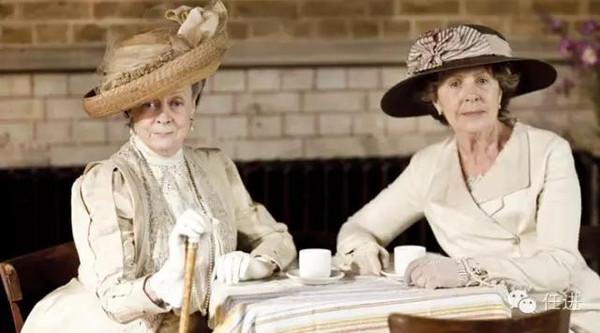 """咱怎么喝就能喝出""""贵族范儿"""",那么光喝的有范儿还不够,咱这着装,礼仪图片"""