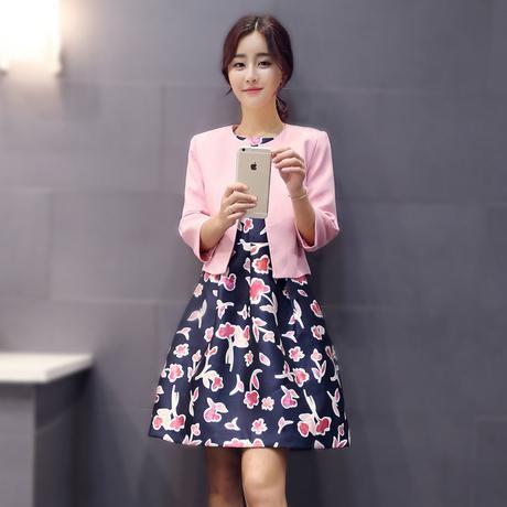 修身连衣裙经典连衣裙:长款连衣裙女自然修身
