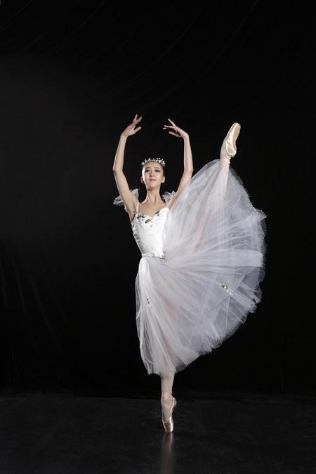 一张演出票看两部舞剧中芭奉献芭蕾饕餮盛宴搜狐娱乐