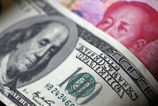 全世界都在感受到,中国房产买家如潮水一般涌入悉尼、纽约、温哥华和香港买房,推动当地房价上涨。去年3月,中国人美国买房总额达到近300亿美元,成为最大的海外买家。平均每幢房屋购买价格约为83.2万美元。在悉尼也有类似,中国投资者抢购了悉尼新房的1/4,预计在十年后的支出将翻倍。在温哥华,过去10年中,中国买家大量涌入使得当地房地产价格上涨了一倍。在香港,房价从2010年以来上涨了60%。