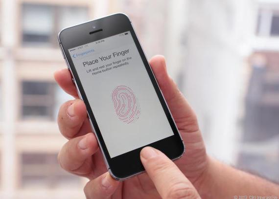 用户升级后的指纹识别问题情况不一。其中一名反应,当手机重启并进入低电量模式之后,Touch ID没法用了。另外一名64GB版iPhone 6s的用户称,手机的Touch ID在升级之后变得反应迟缓,或者有时候在尝试多次后直接就没法用了。