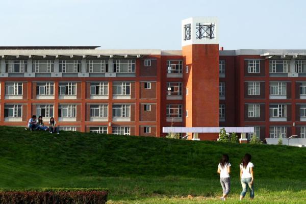 大學生被小偷捅傷 疑因當眾揭穿其偷竊行為