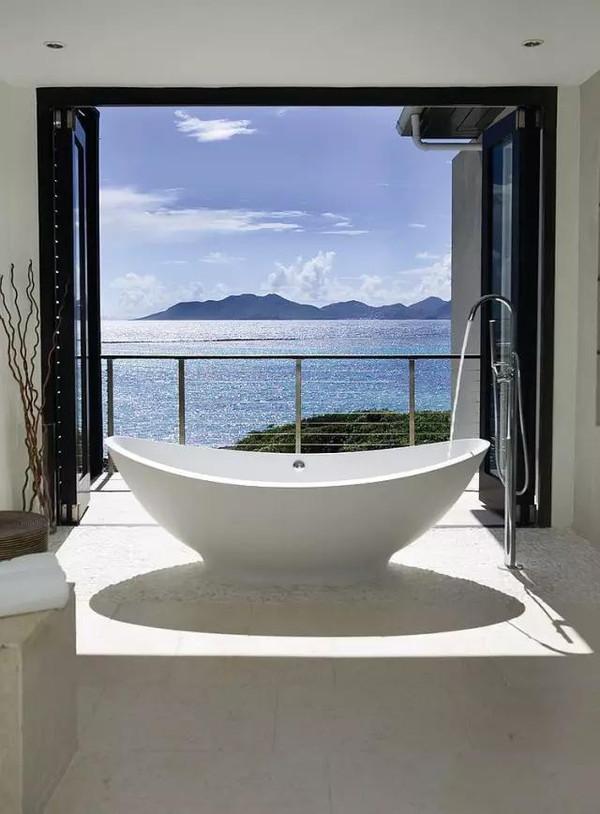 面朝大海:国外豪华海景浴室