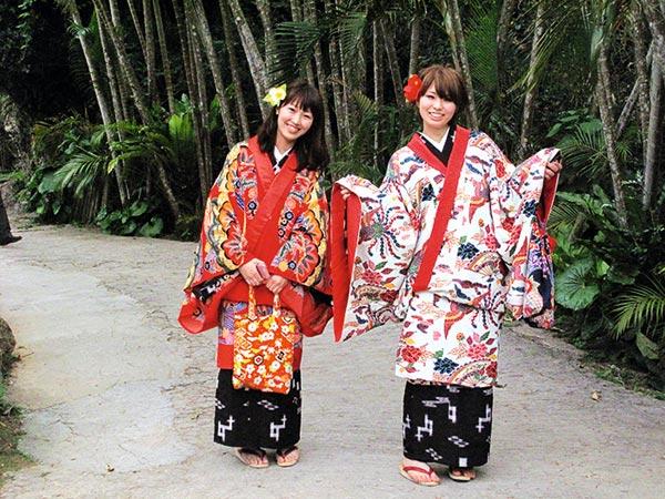 琉球人_如今对游人来说,体验和了解古代琉球生活风俗和手工文化传统最好的