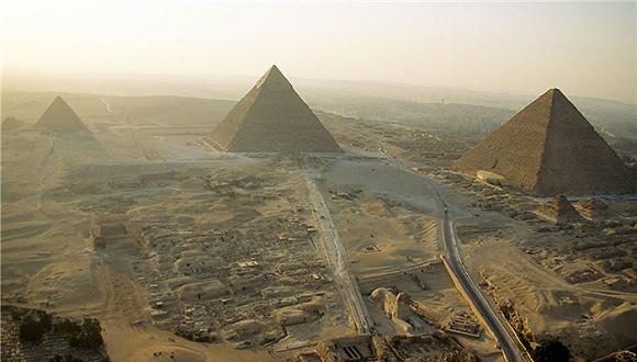 """埃及金字塔内部发现""""热异常"""" 古老谜团将揭开?(组图)"""
