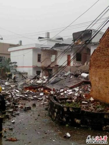 广西一楼房爆炸倒塌致4人死 系屋主私制炸药所致