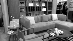 海绵品质影响沙发的使用寿命 陈艳梅摄