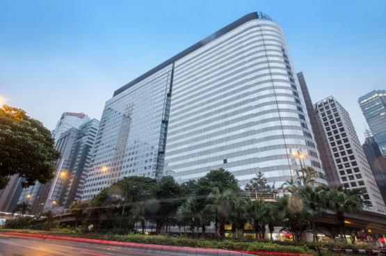 恒大地产从华人置业手中收购一栋香港地标性的顶级写字楼――美国万通大厦。