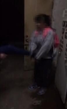 温州一女生遭同学狂扇42个耳光