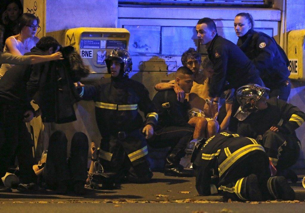 巴黎恐怖袭击 枪手像射鸟一样射击人质