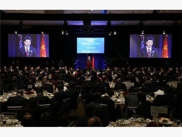11月14日至16日,国家主席习近平将赴土耳其安塔利亚出席二十国集团(G20)领导人第十次峰会。17日至19日,习主席将赴菲律宾马尼拉出席亚太经合组织(APEC)第二十三次领导人非正式会议。这两个会议是当前全球经济治理领域重要的机制和平台。