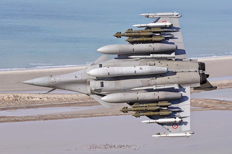 法国阵风战机挂载能力让你看呆(组图)