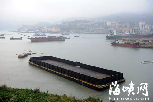 福建渔民捡回神秘巨轮 拖了近半年仍未物归原主