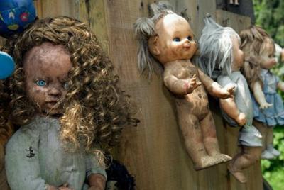 洋娃娃 人类史上那些让人不敢再看第二眼的恐怖洋娃娃!